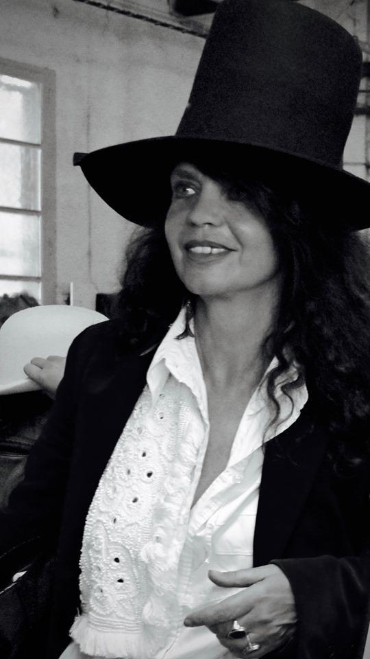 Fanny Bastien Actrice fondatrice du festival du film insolite de Rennes le château